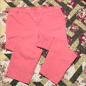 Pink cotton mix capris